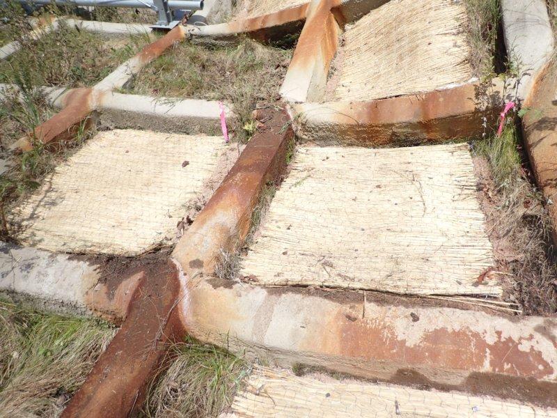 Image of 知内町小谷石中の沢での酸性硫酸塩対策緑化工の試験施工 4